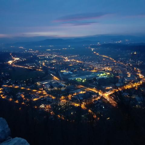 A picture of the city night view