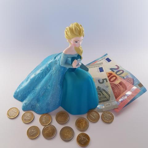 Cartoon Character Frozen Elsa Money Bank