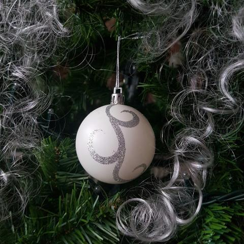 New Year Christmas balls. New Year's decor - Free images