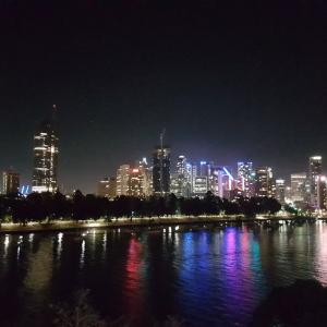 Brisbane Australia by night  Free Wallpaper